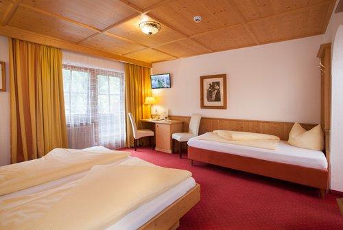 Dreibettzimmer im Tirolerhof Gerlos