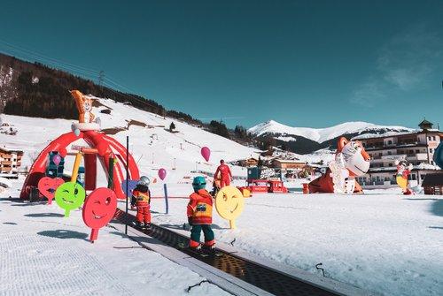 Spielend Skifahren lernen | © Michi´s Skischule